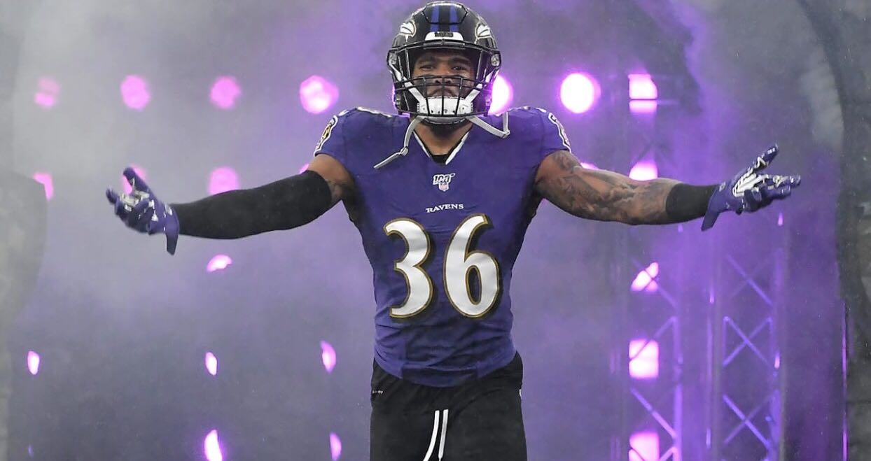 Chuck Clark inks three-year contract extension with Ravens ...